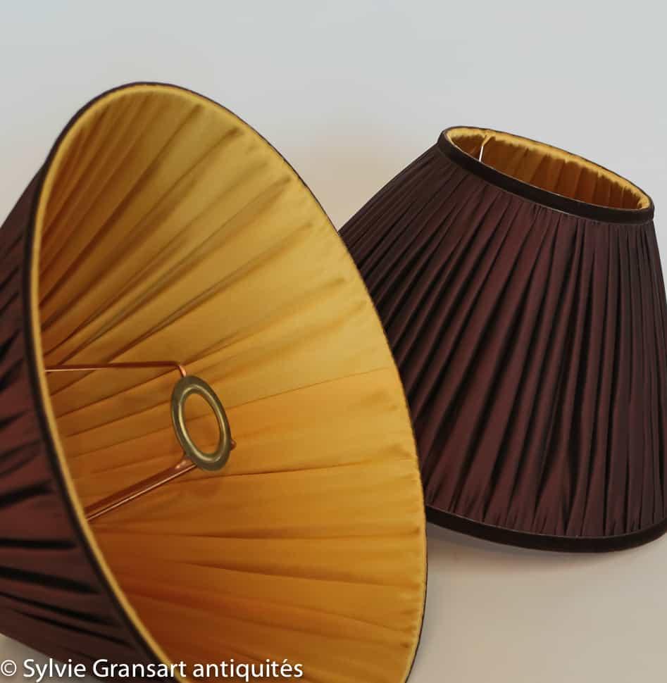 paire de bougeoirs en bronze sylvie gransart antiquaire. Black Bedroom Furniture Sets. Home Design Ideas