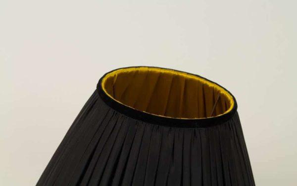 Velours de finition noir sur abat-jour bougeoir Louis XIII