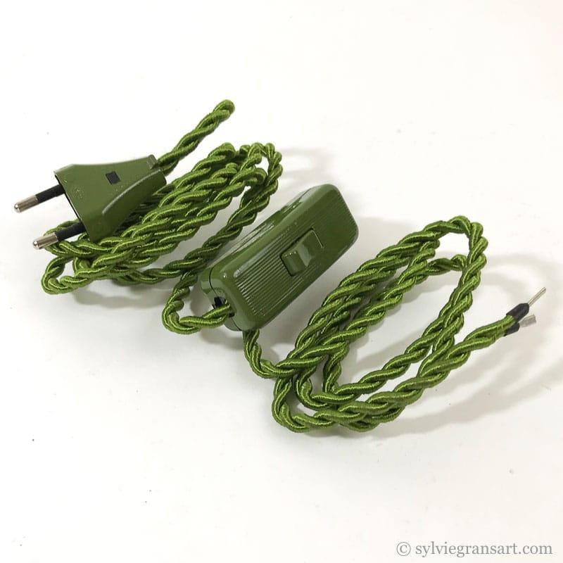 cordon-electrique-en-tissu-vert