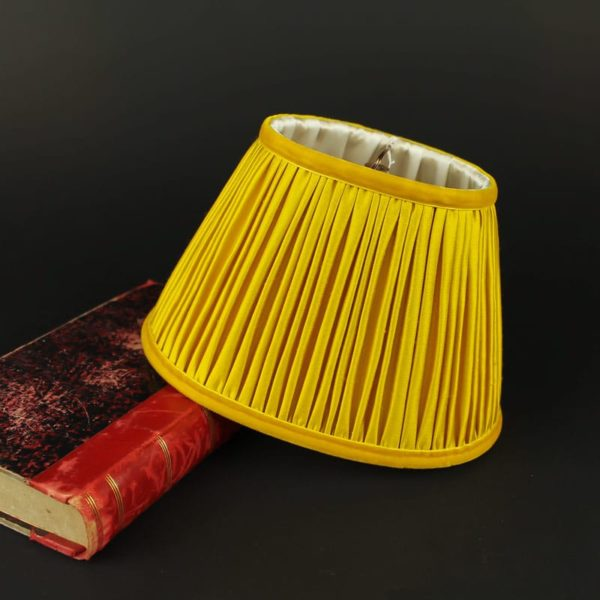 abat-jour-en-soie-jaune-aj19042