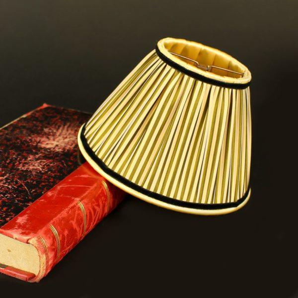 abat-jour-en-soie-jaune-bronze-a-rayures