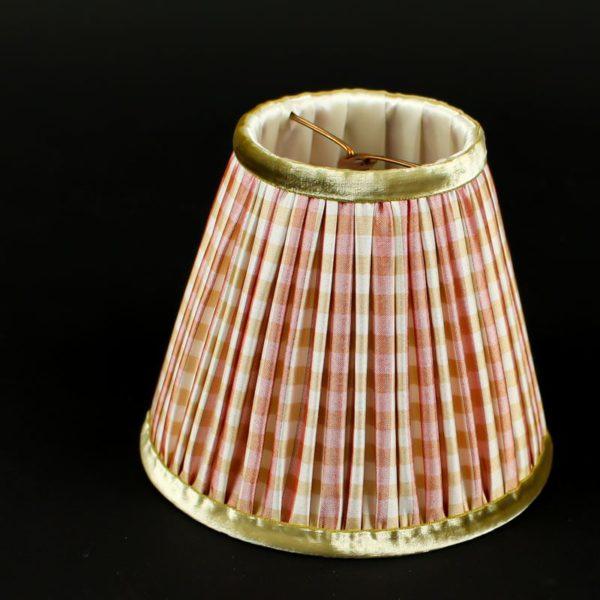 abat-jour-en-soie-rose-a-carreaux
