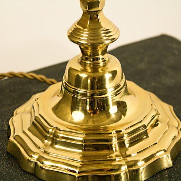 bougeoir en bronze avec sa base chantournée